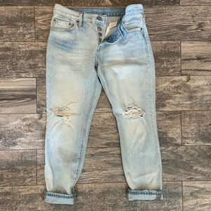 Levi's 501 CT light wash boyfriend jeans. Size 27